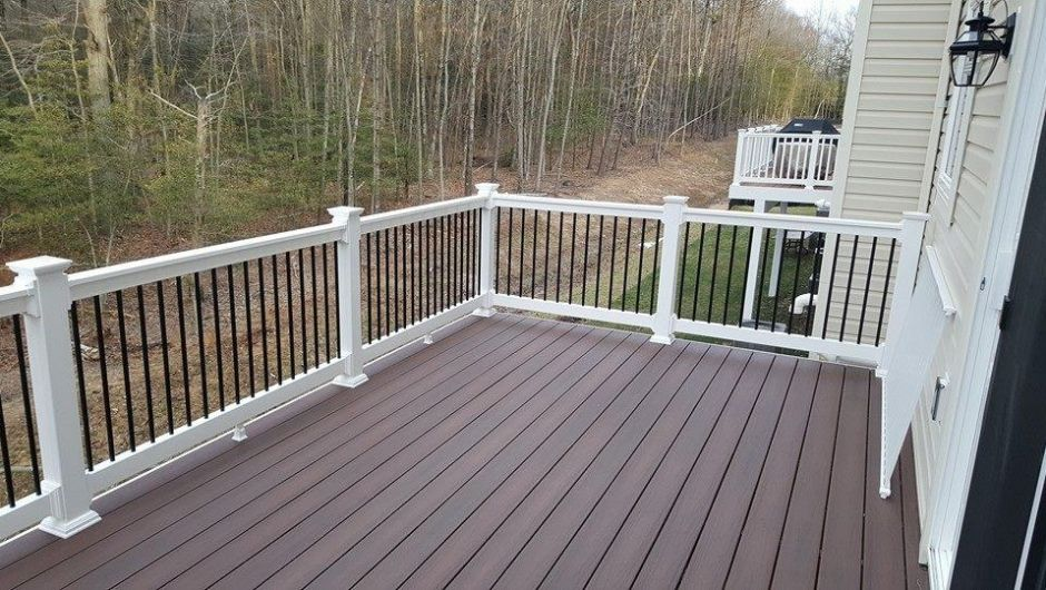 Brown Decking White Rails Black Balusters