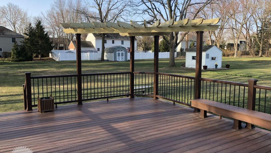 Rosewood Fiber On With Trex Rail And Wood Pergola